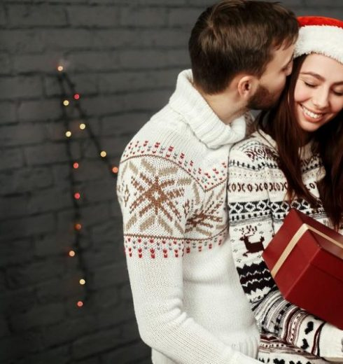 What To Get Your Girlfriend For Christmas 2020 | Top 60 Best Cute Gifts