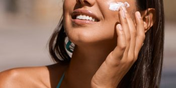 The 9 Best Moisturizers with SPF [Non Comedogenic]